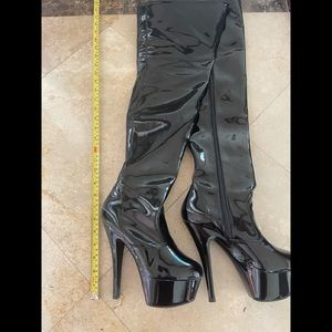New Thigh High Pleaser Boots Size 7